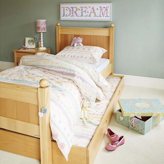 new england girls bedroom