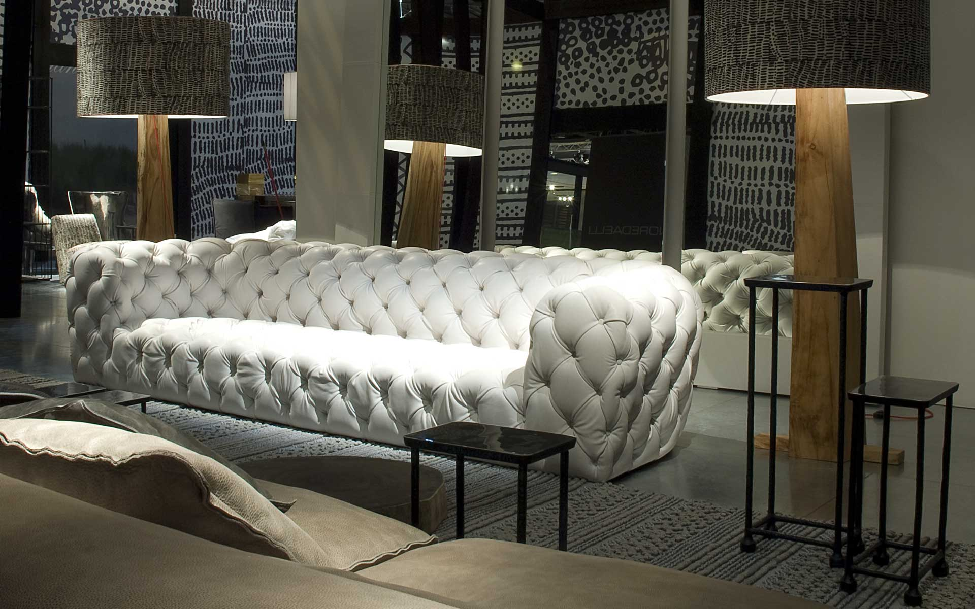 Baxter from italy brings fine sofas home interior design - Canape chesterfield velour ...