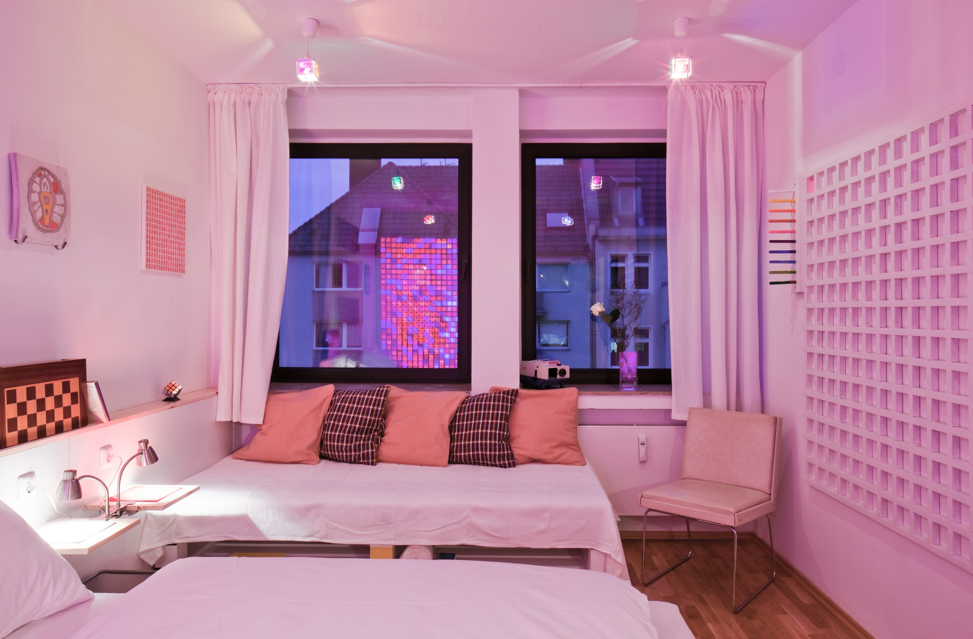 The cube room by fabian gatermann is innovation par for Room decor ideas in hostel
