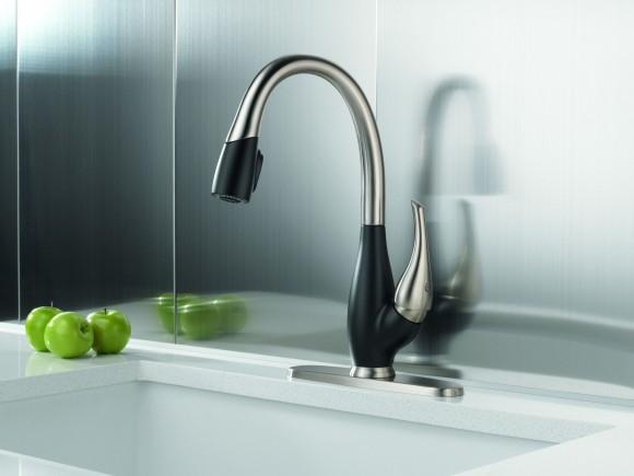 delta fuse kitchen faucet