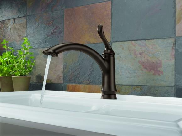 delta linden kitchen faucet