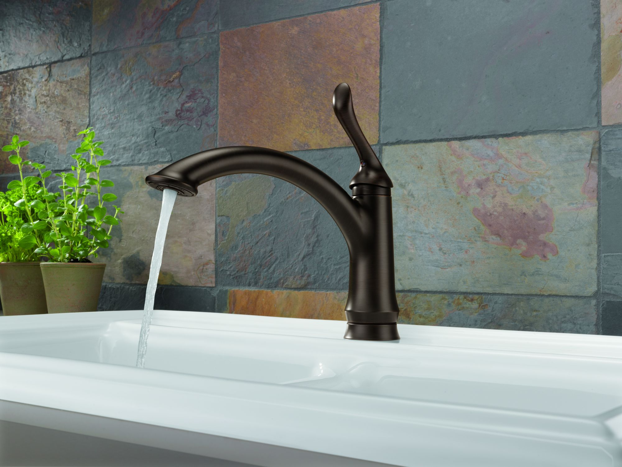 Delta faucet company brings faucets with varied for Kitchen designs by delta