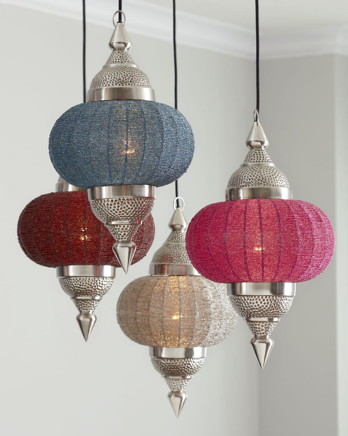 manak pendant light