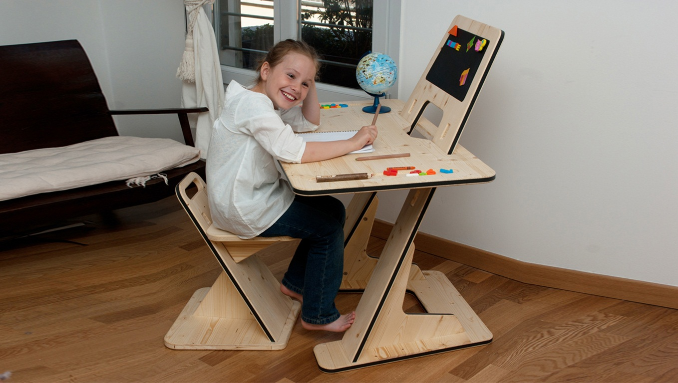 The Multipurpose AZdesk From Designer Guillaume Bouvet