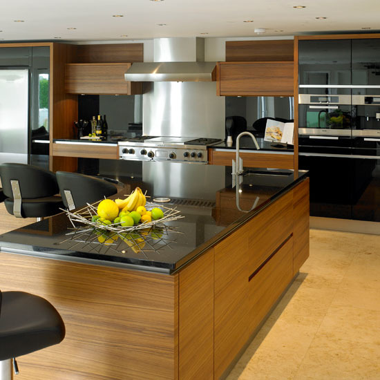black elegant kitchen