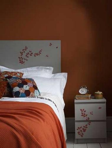 orange and terracotta colors in bedroom