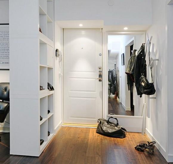 Quick Ideas To Use Mirror In The Hallway Interior Design
