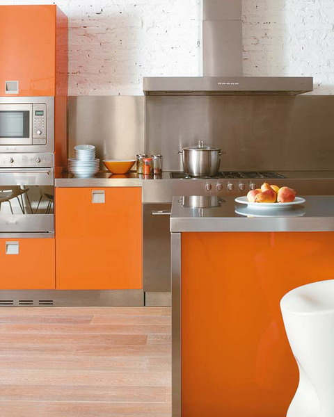 The Modern Kitchen in Tech Materials and Colors