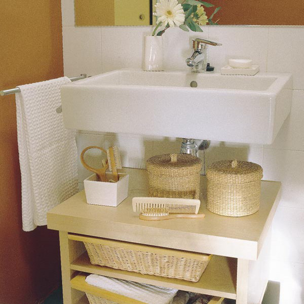 Tips on using wicker items for the interiors interior design ideas and architecture designs for What to put in bathroom baskets