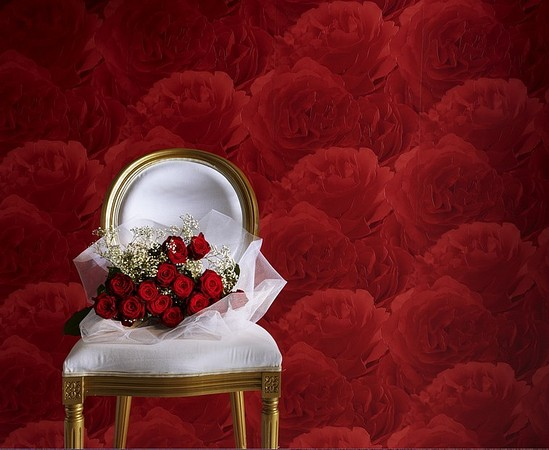 rose inspired wall pattern