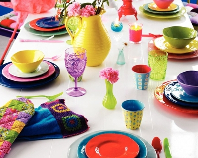 table setting trend tropical