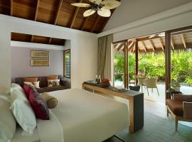 dusit thani resort maldives 23