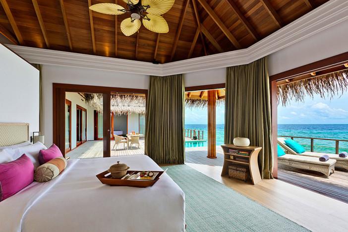 dusit thani resort maldives 24