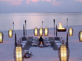 dusit thani resort maldives 32