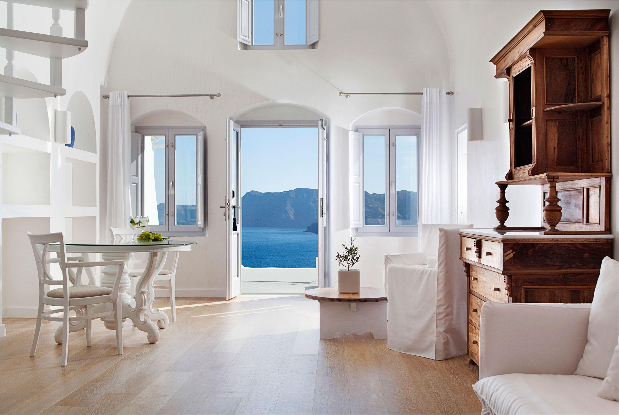 Эгейское море и белоснежный интерьер отеля katikies - home a.