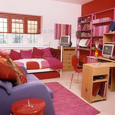 cool teen room bright color 03