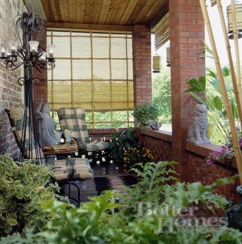 Designing the veranda of the house ideas for furniture for Enclosed porch furniture ideas