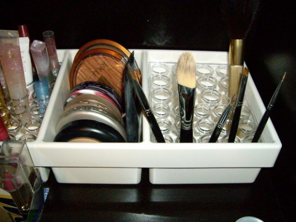 ideas of storing makeup products 04