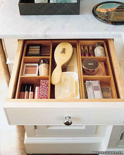 ideas of storing makeup products 05
