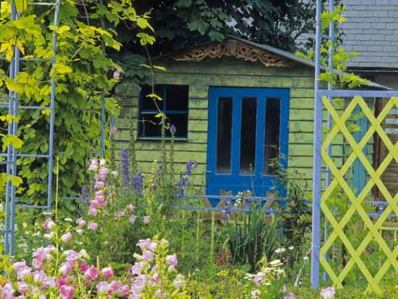 bright garden ideas 06