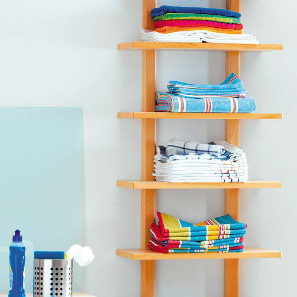 How to store towels in the bathroom in compact manner for Storing towels in the bathroom