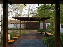 courtyard house 08