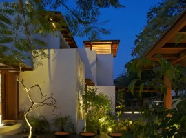 courtyard house 34