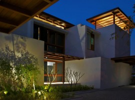 courtyard house 35