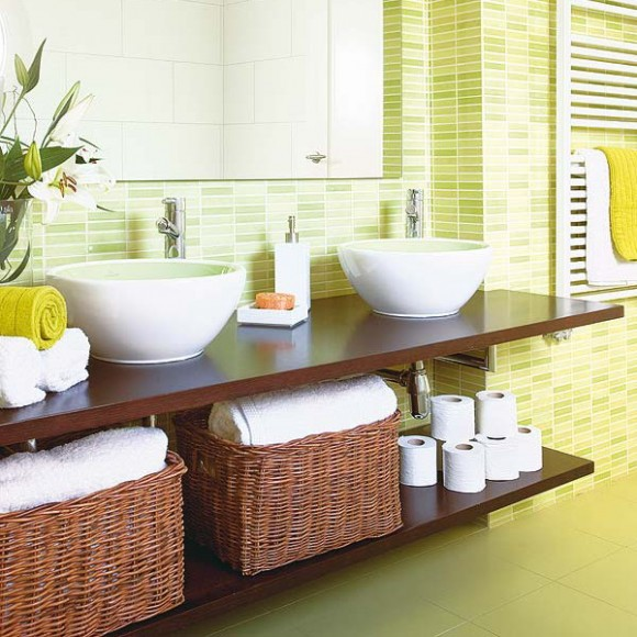 Decorating Bathroom Baskets Towels : How to store towels in the bathroom very functional