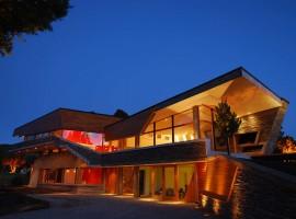 ribbon vacation house 06