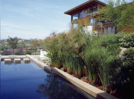 the hilltop house 04