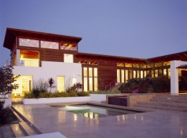 the hilltop house 05