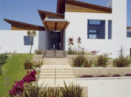 the hilltop house 08
