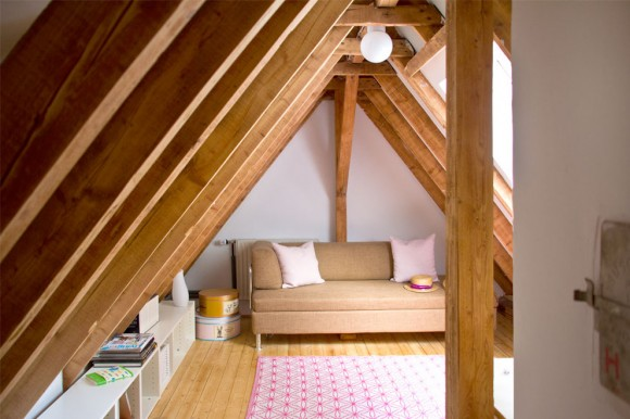 ideas to convert living room in attic 03