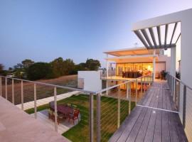 burgess residence 14