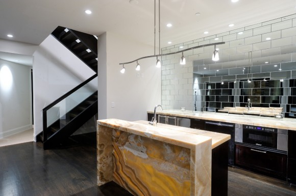 kitchen mirrored panels