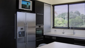 solutions to place tv in kitchen 03