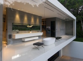 the glass pavilion house 32