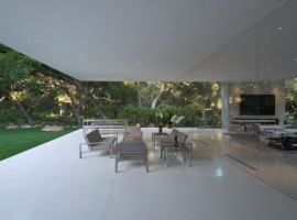 the glass pavilion house 38