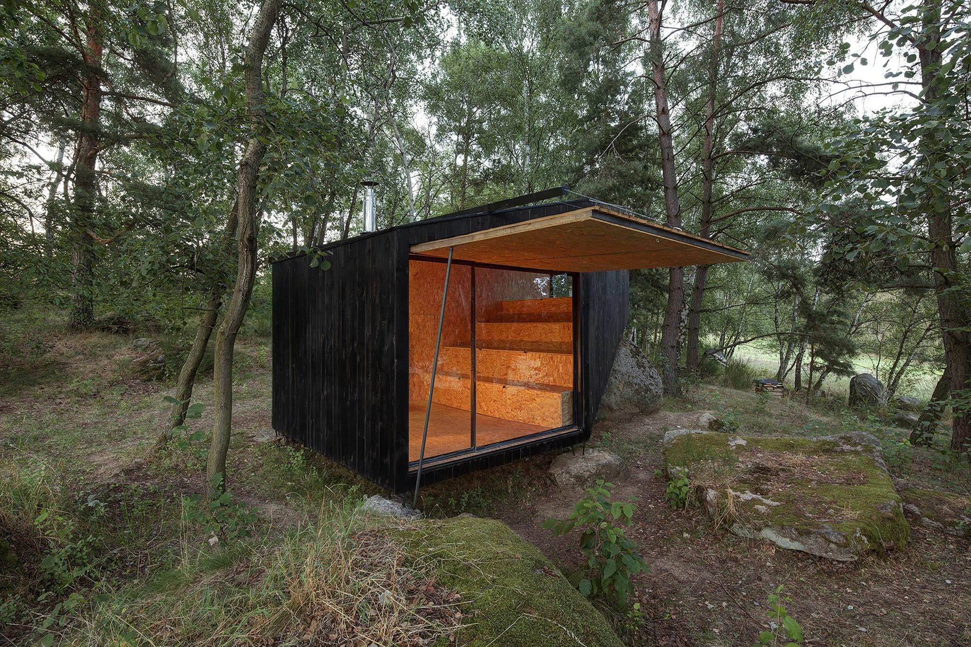 forest retreat by uhlik architekti 02