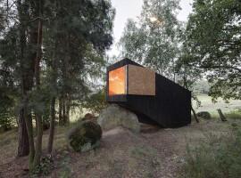 forest retreat by uhlik architekti 04