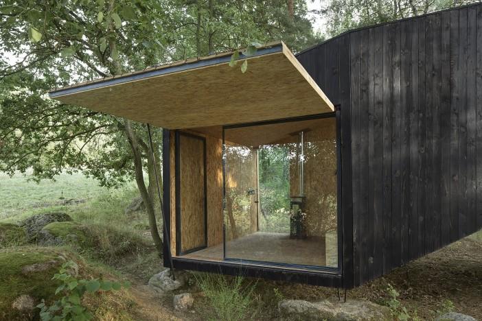 forest retreat by uhlik architekti 05 a tree house