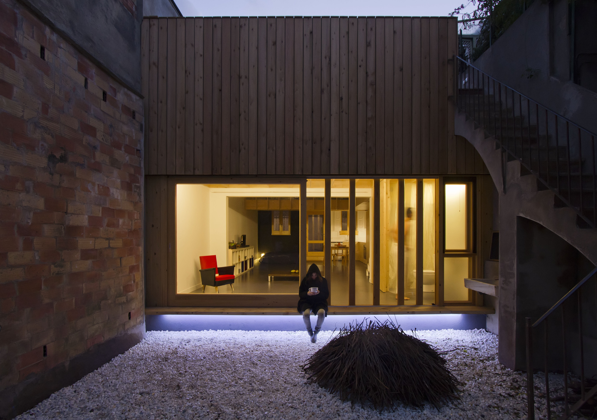 The low energy mz house in spain for Low energy home designs