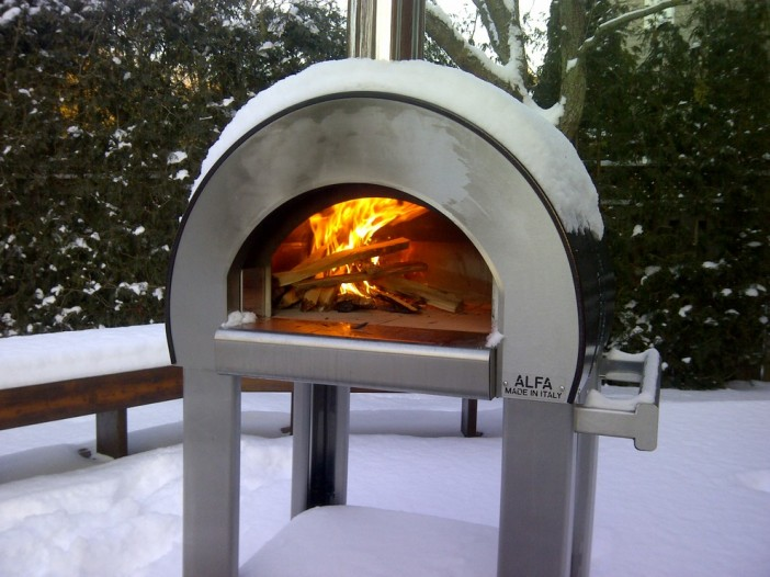 Pizza Lovers Heaven How To Have A Pizza Oven On Your