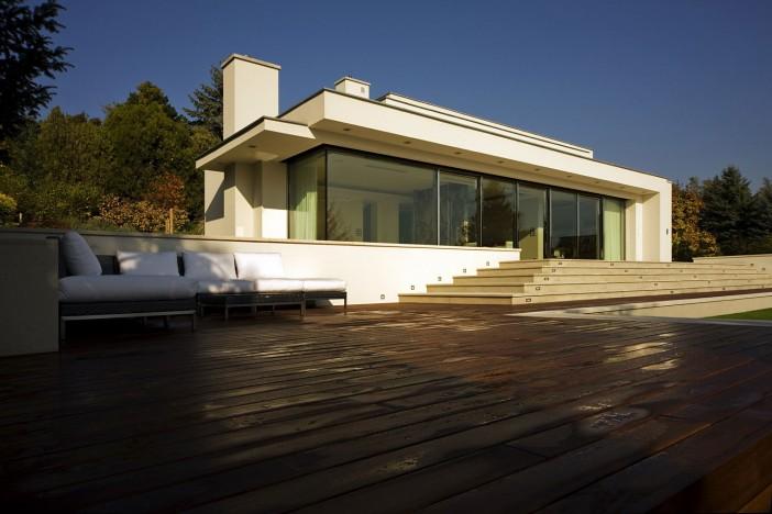 contemporary villa in szentendre 04 exterior