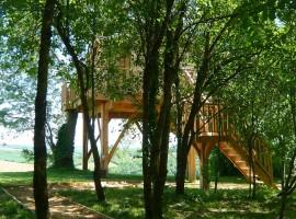 cabane et spa tree house 01