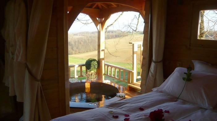 furniture of cabane et spa tree house 08