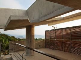 concrete home in ubatuba 13