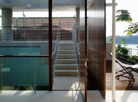 concrete home in ubatuba 14