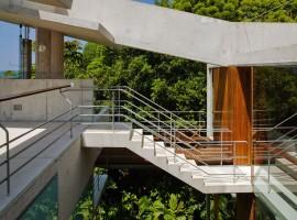 concrete home in ubatuba 23